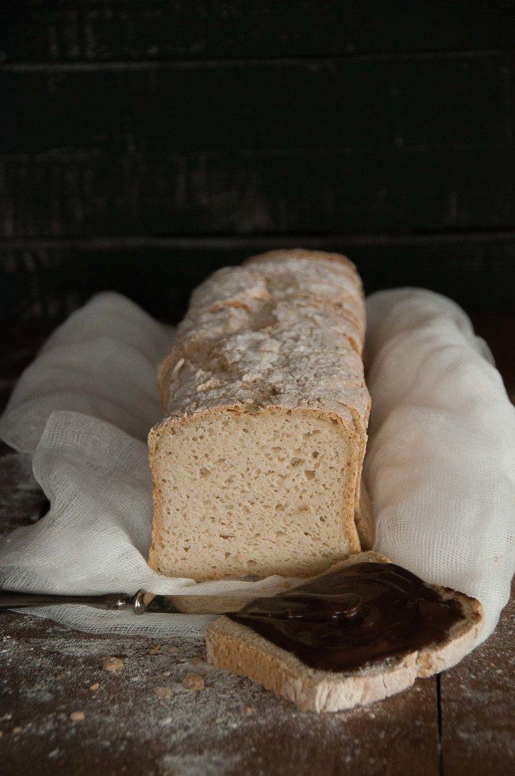 Pan de molde sin gluten de masa madre